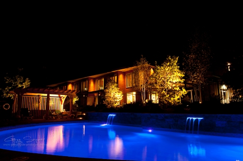 night_swimming_pool