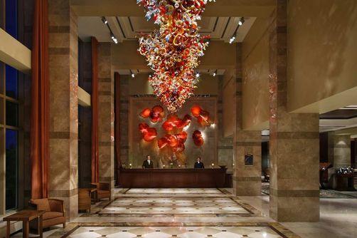 LAC leonardo-1070830-YOWOVHF_Hotel_lobby_S-image