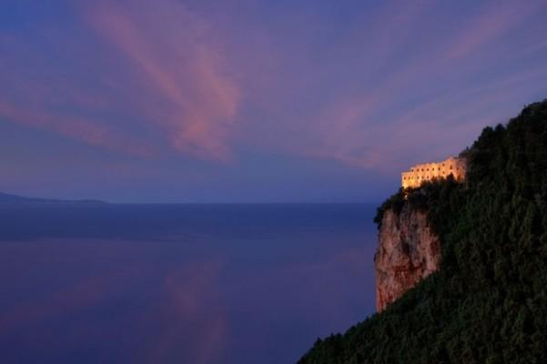 monasteromsr-cliff-view-dawn-1-620x413