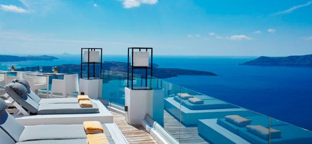 Pool-4-sun-Rocks-Hotel-Santorini-luxury-santorini-holiday-packages-