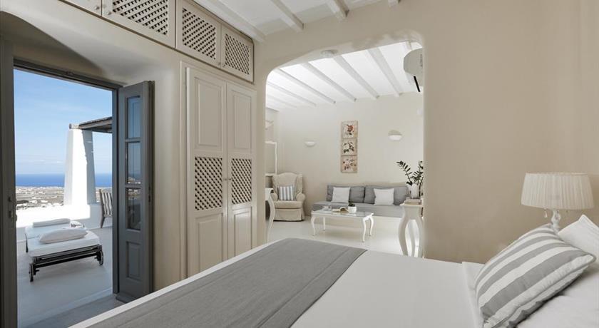 Santorini-pyrgos-hotels-carpe-diem-suites-and-spa-19