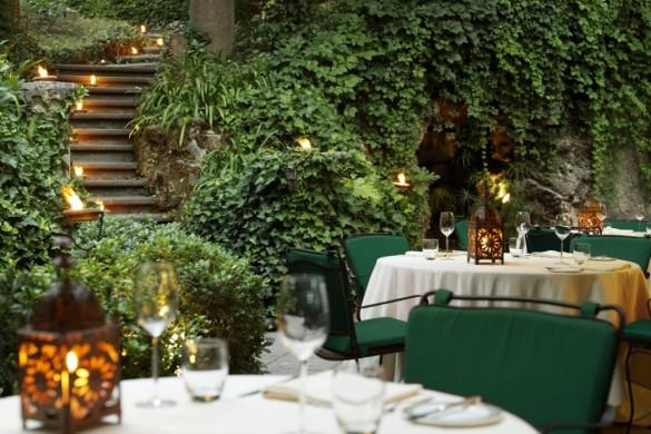 Hotel-de-russie-restaurant-Le-Jardin-fuori-1050x700