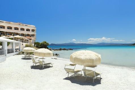 Gabbiano Azzurro Sardinia | private beach 1