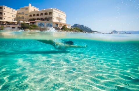 Gabbiano Azzurro Sardinia | private beach 3