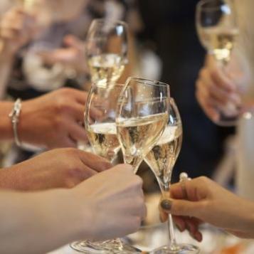 trinquer_champagne